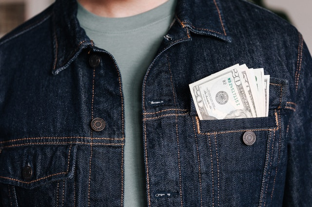 billets de banque en poche